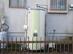 長年ご使用された電気温水器を